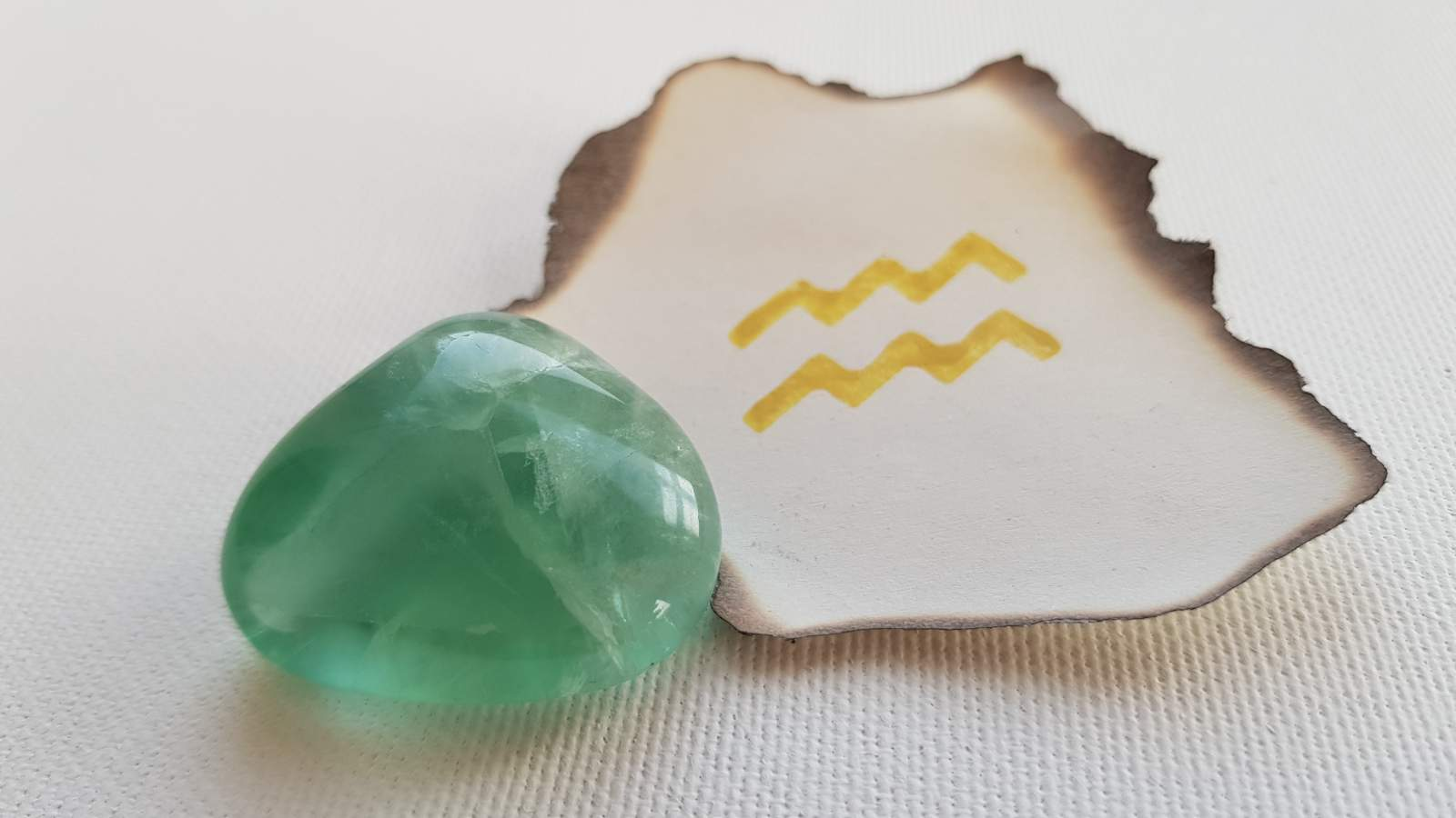 Gemstone - Aquarius 2019 Love Horoscope